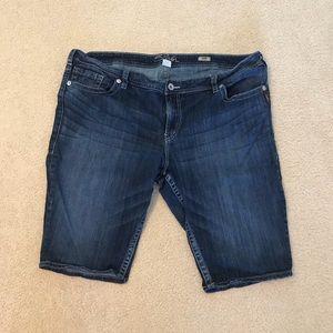 Silver suki Bermuda shorts